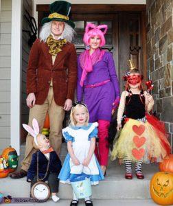 family costumes alice in wonderland