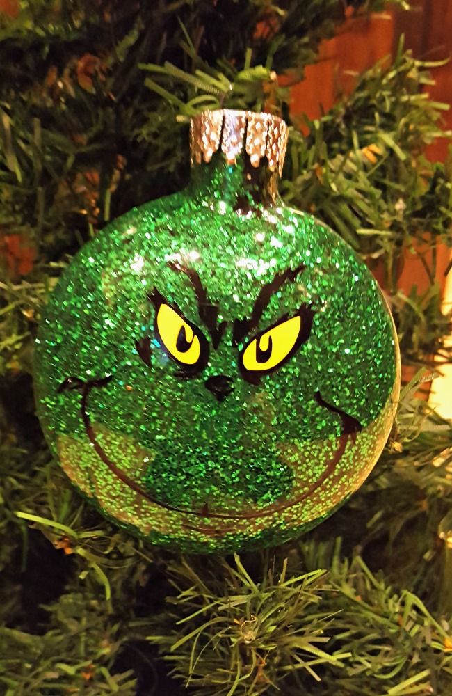 diy grinch ornaments tutorial