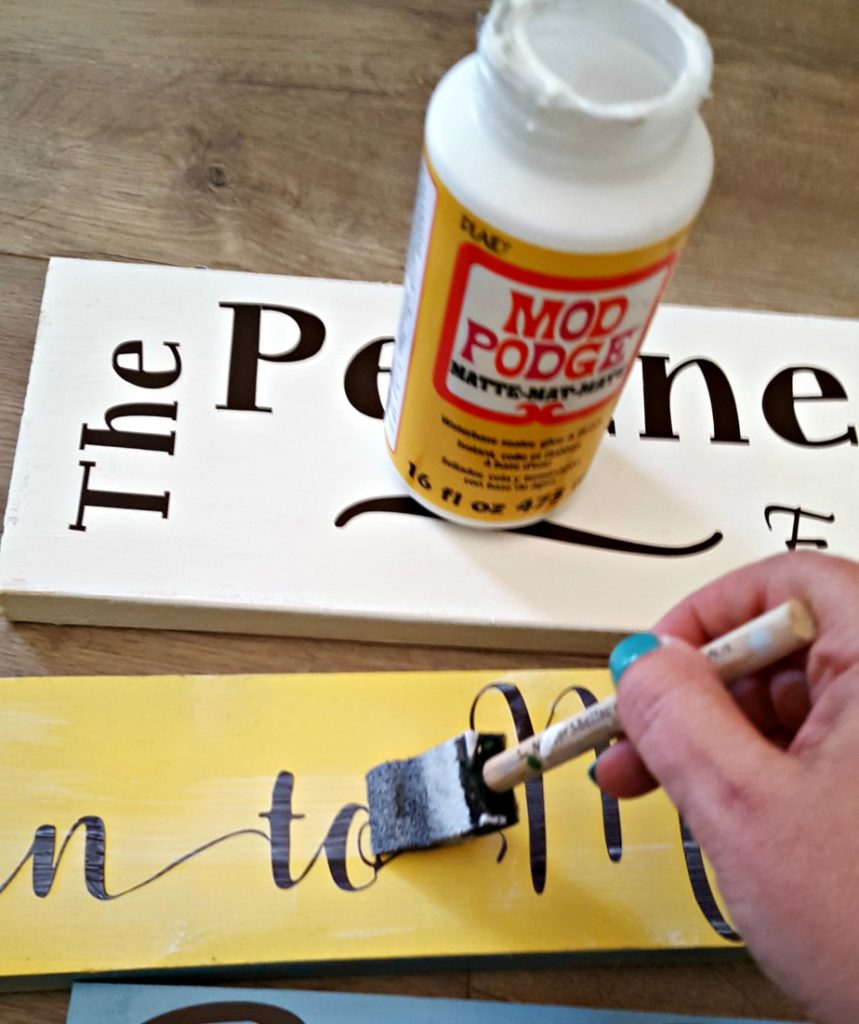 DIY outdoor patio porch sign tutorial