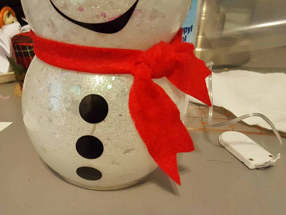 DIY fish bowl snowman with lights