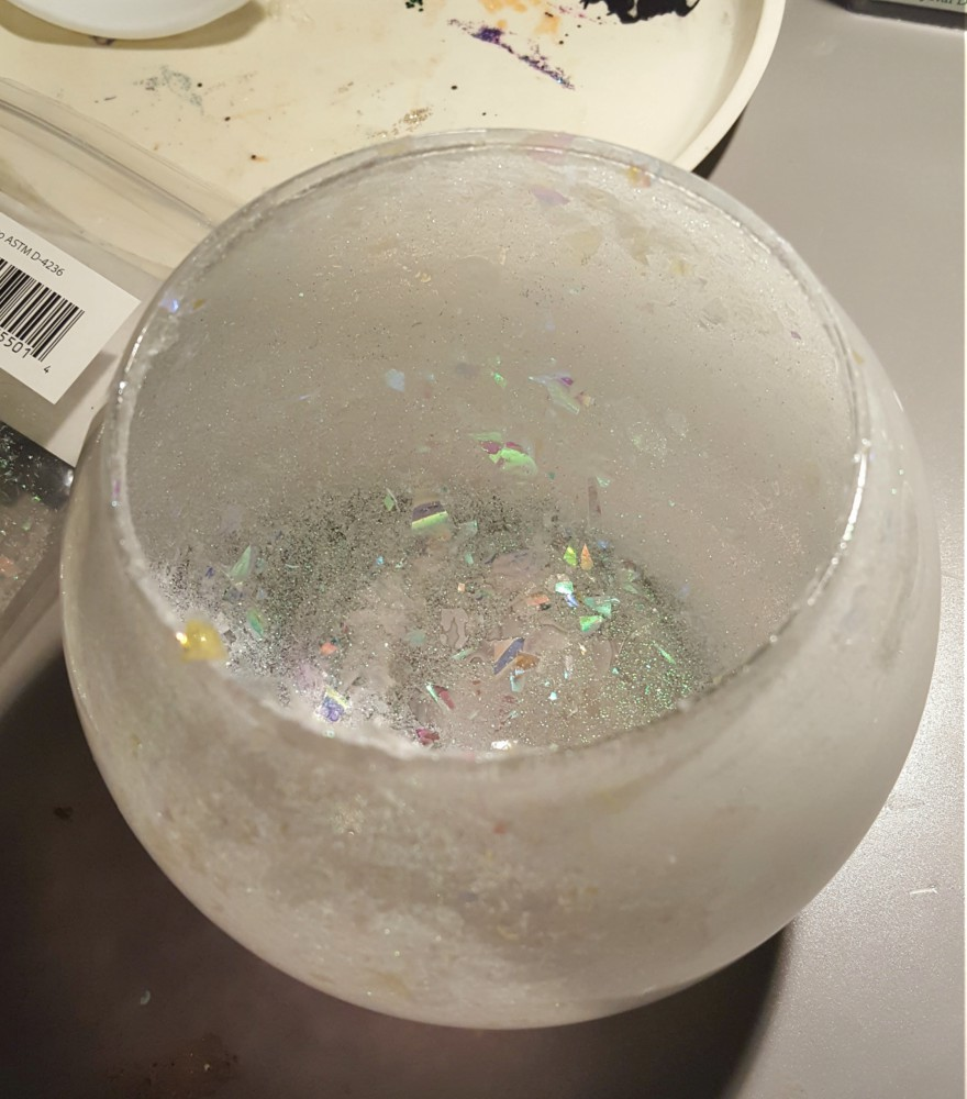 mod podge and glitter inside glass bowl