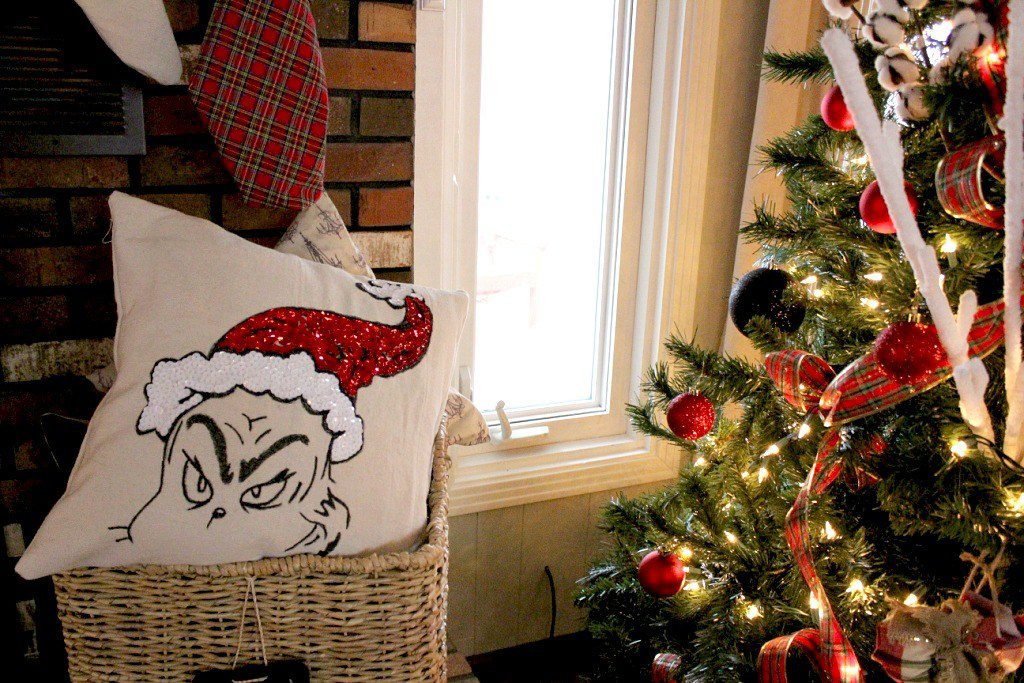 DIY Grinch decor