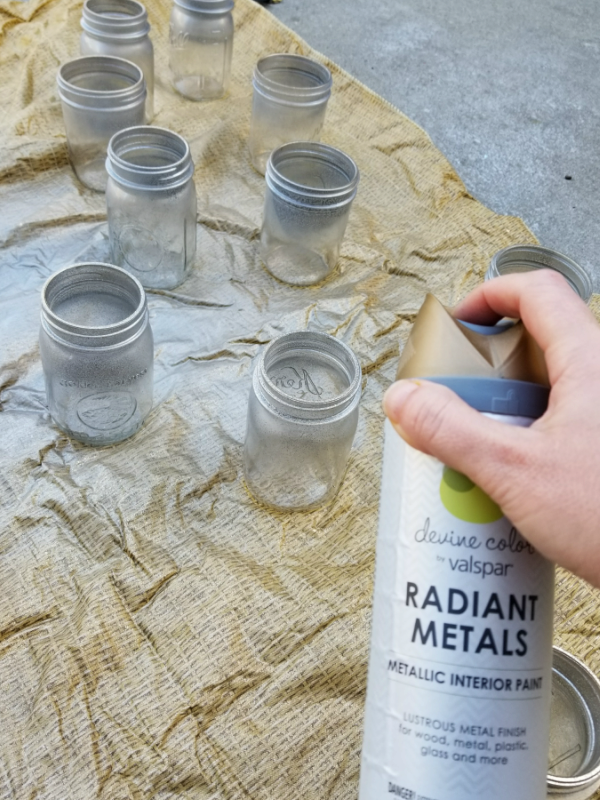 painting mason jar centerpieces