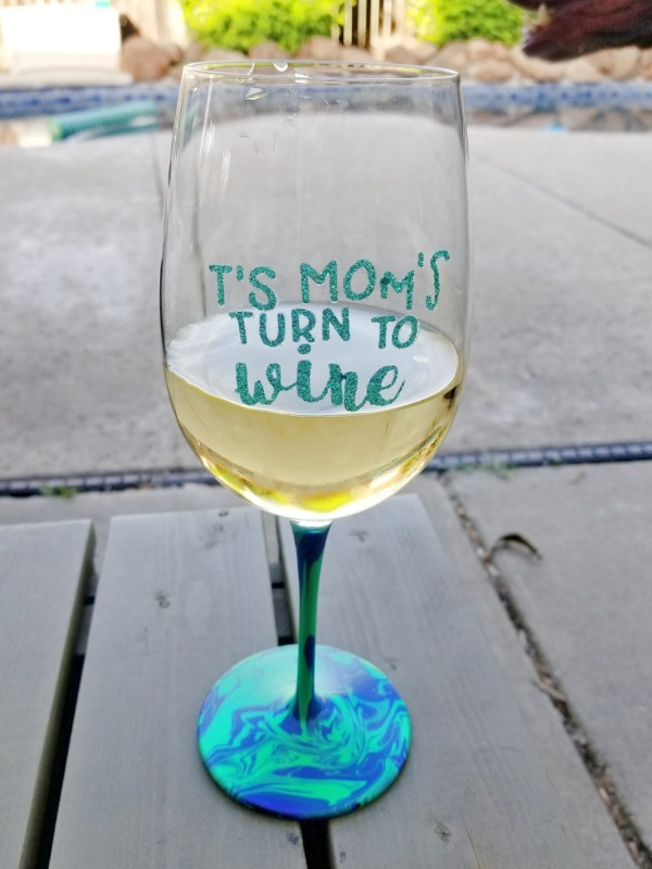 diy personalized wine glasses with marbled stem