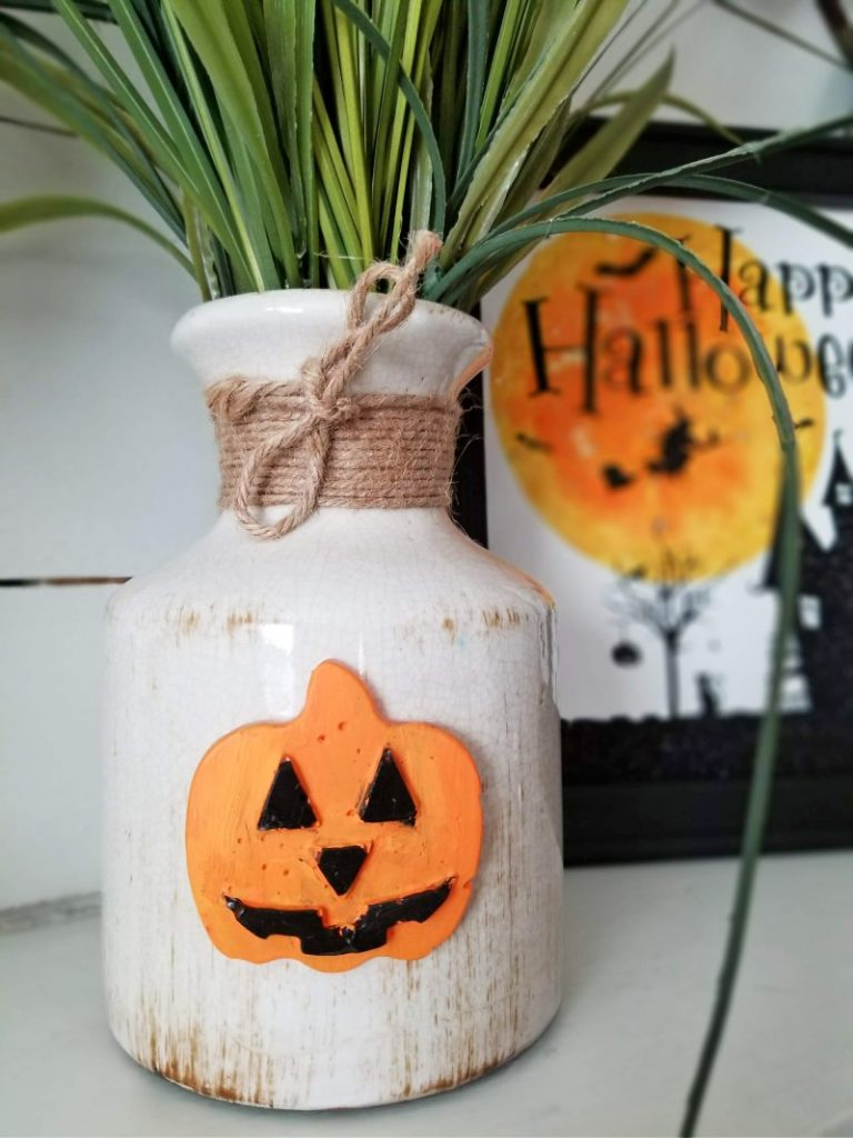 easy halloween decor made out of hot glue and paint