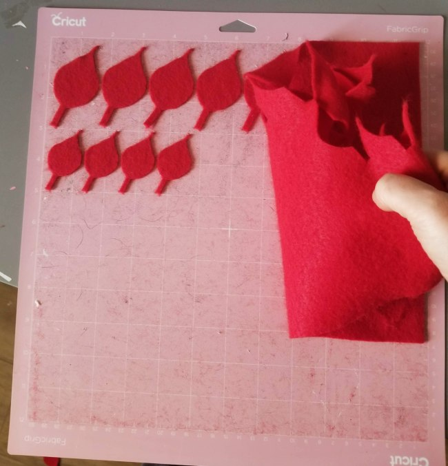 cutting felt with cricut