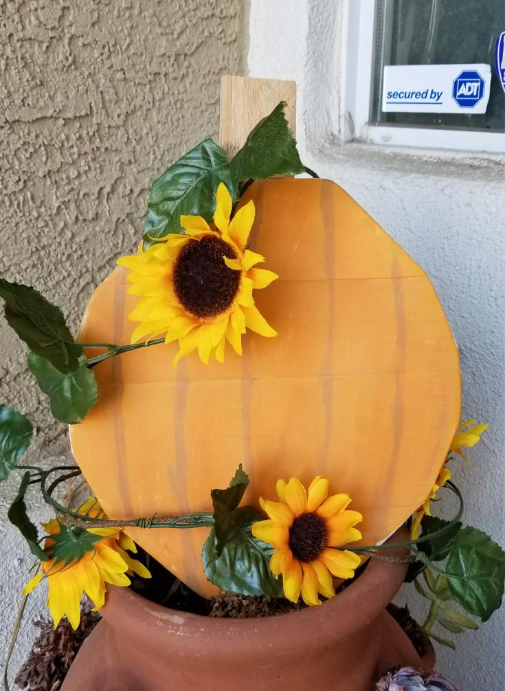 painted wooden pumpkins for outdoor Fall decor