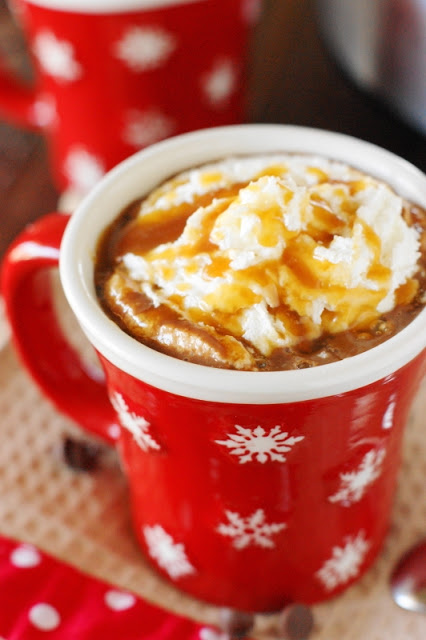 slow cooker caramel hot chocolate