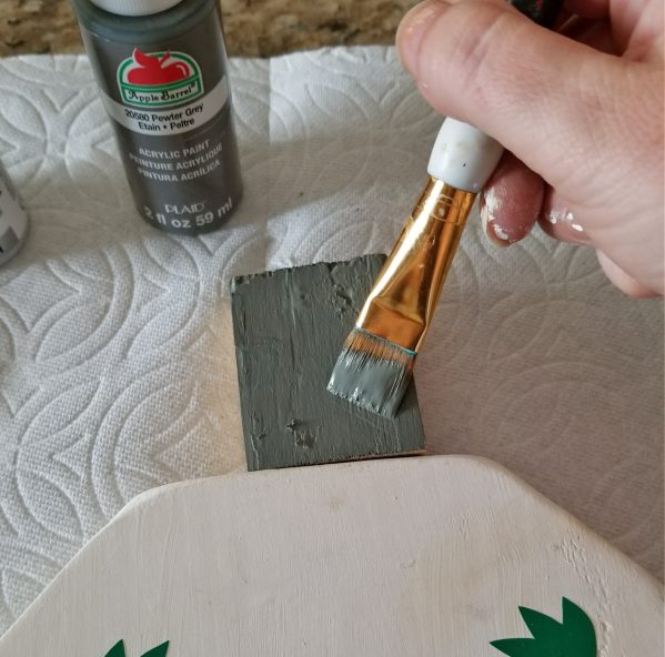 painting wood christmas ornaments
