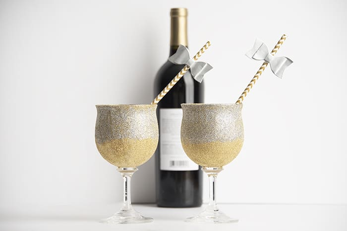 new years eve glitter glasses