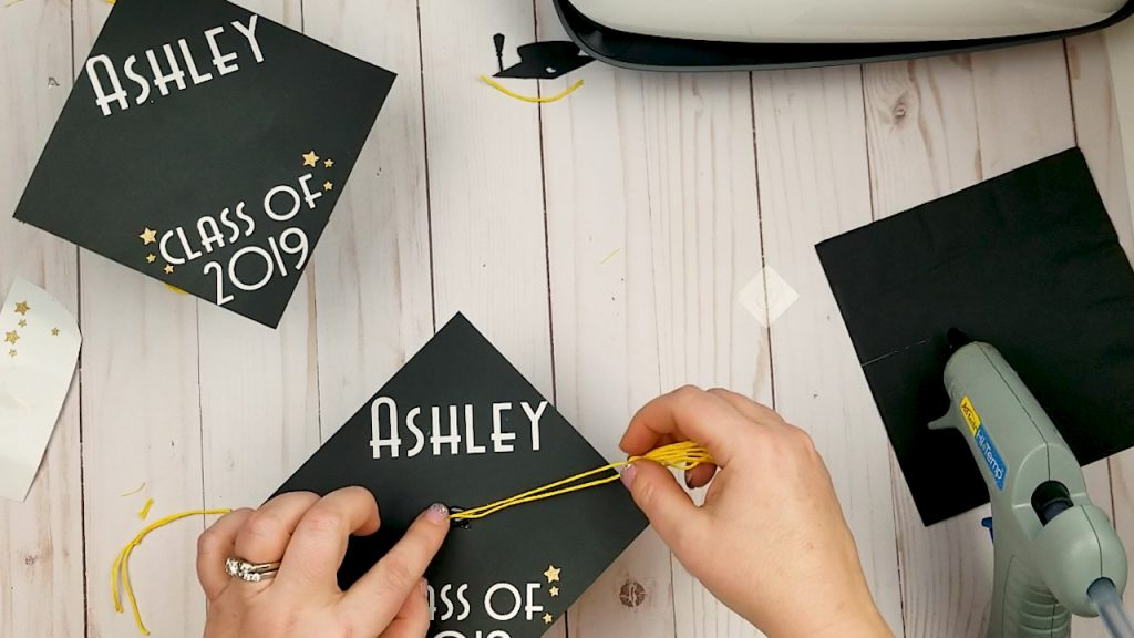 how to make a graduation cap